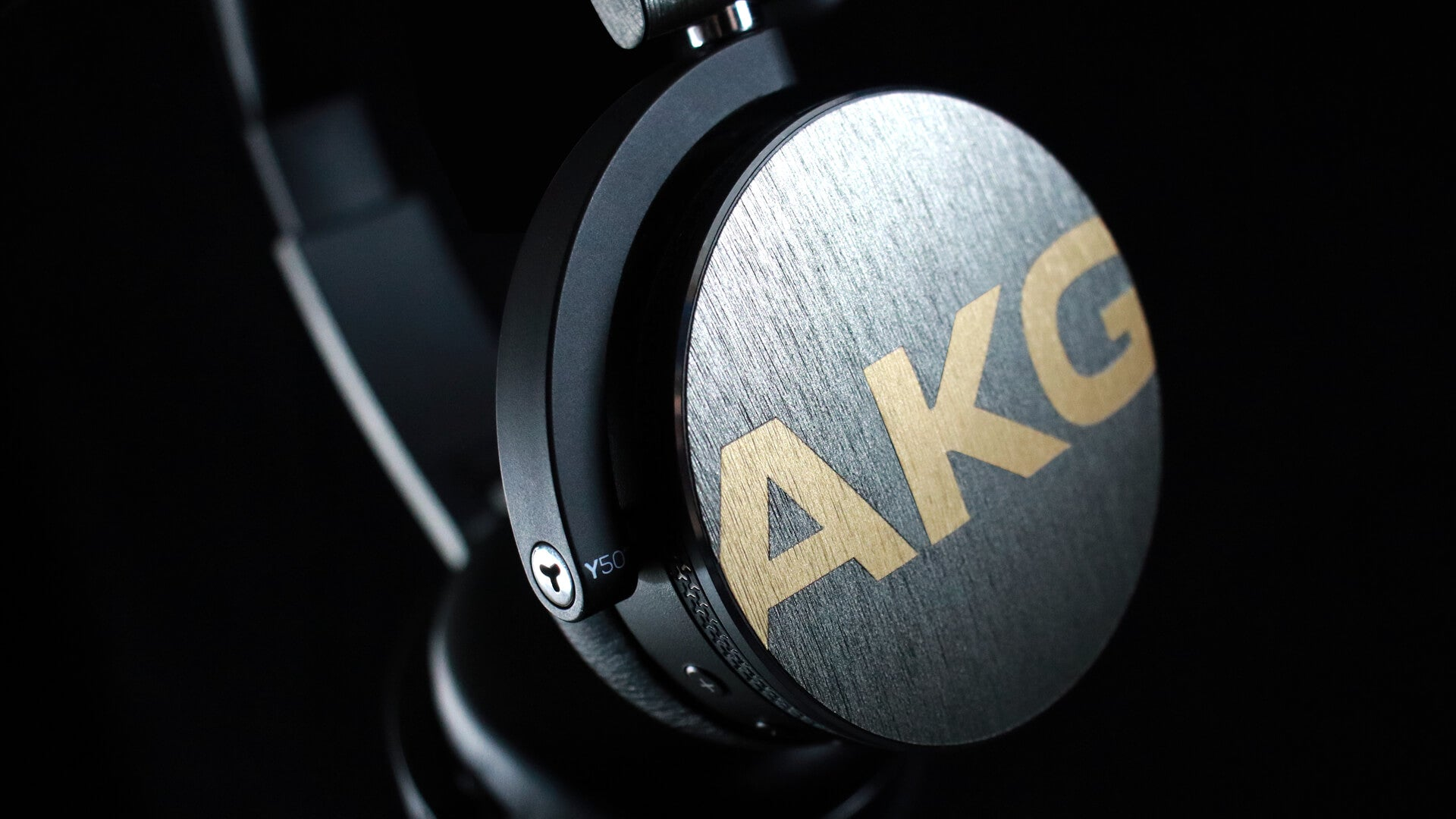 AKG Y50BT Brushed Titanium Skins