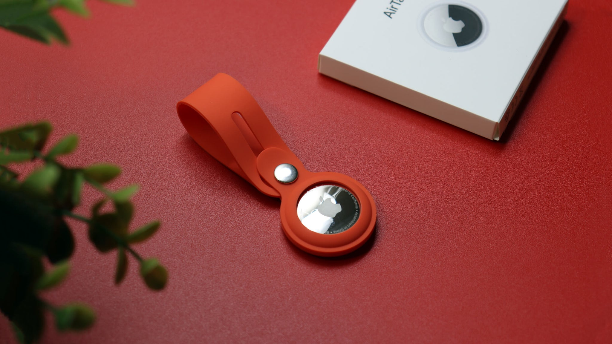 Apple AirTag Red silicone