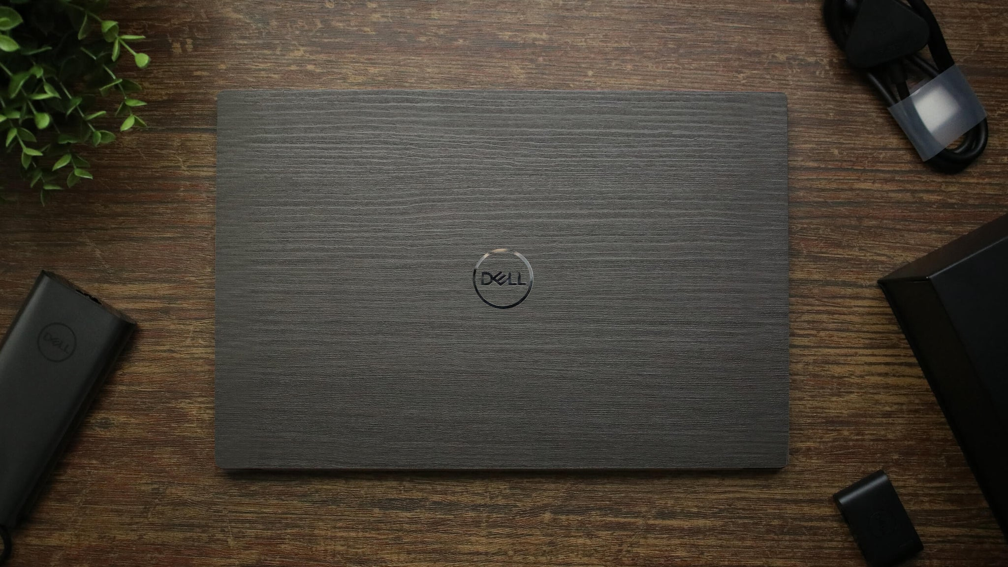 Dell XPS 15 (9500) Silverblack Wood Skins