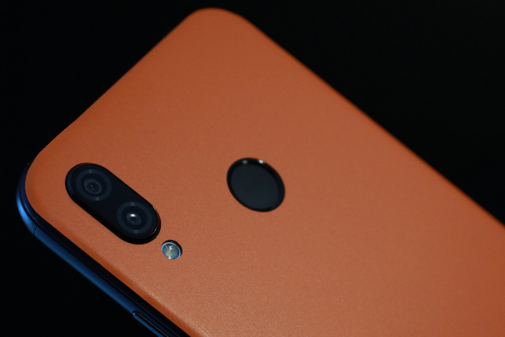 Huawei P20 Lite Matt Orange Skins