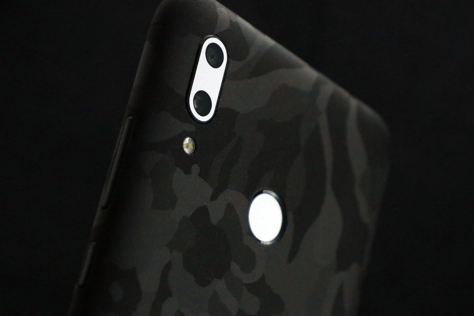 Huawei P Smart 2019 Black Camo Skins