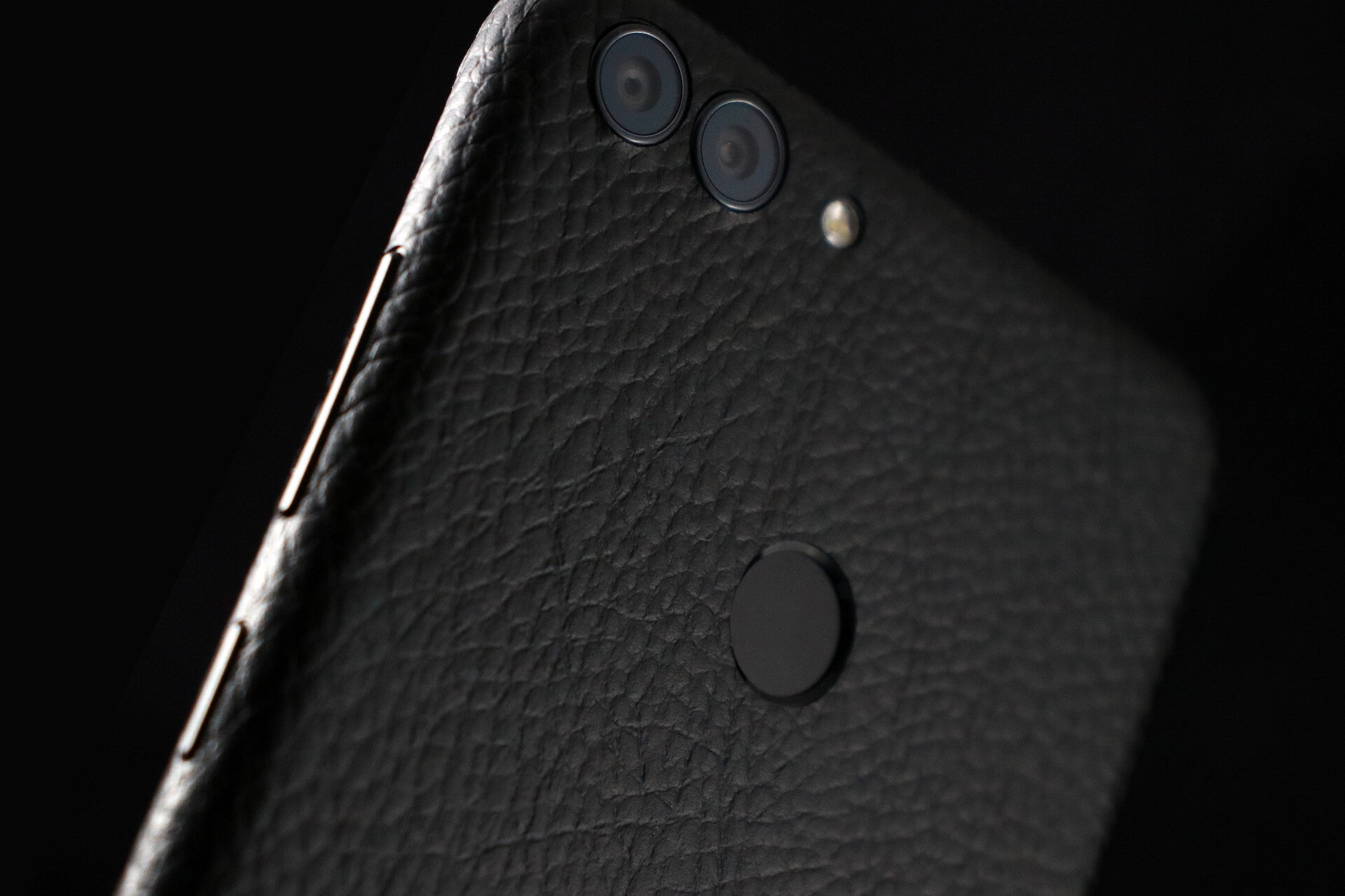 Huawei P Smart Black Leather Skins
