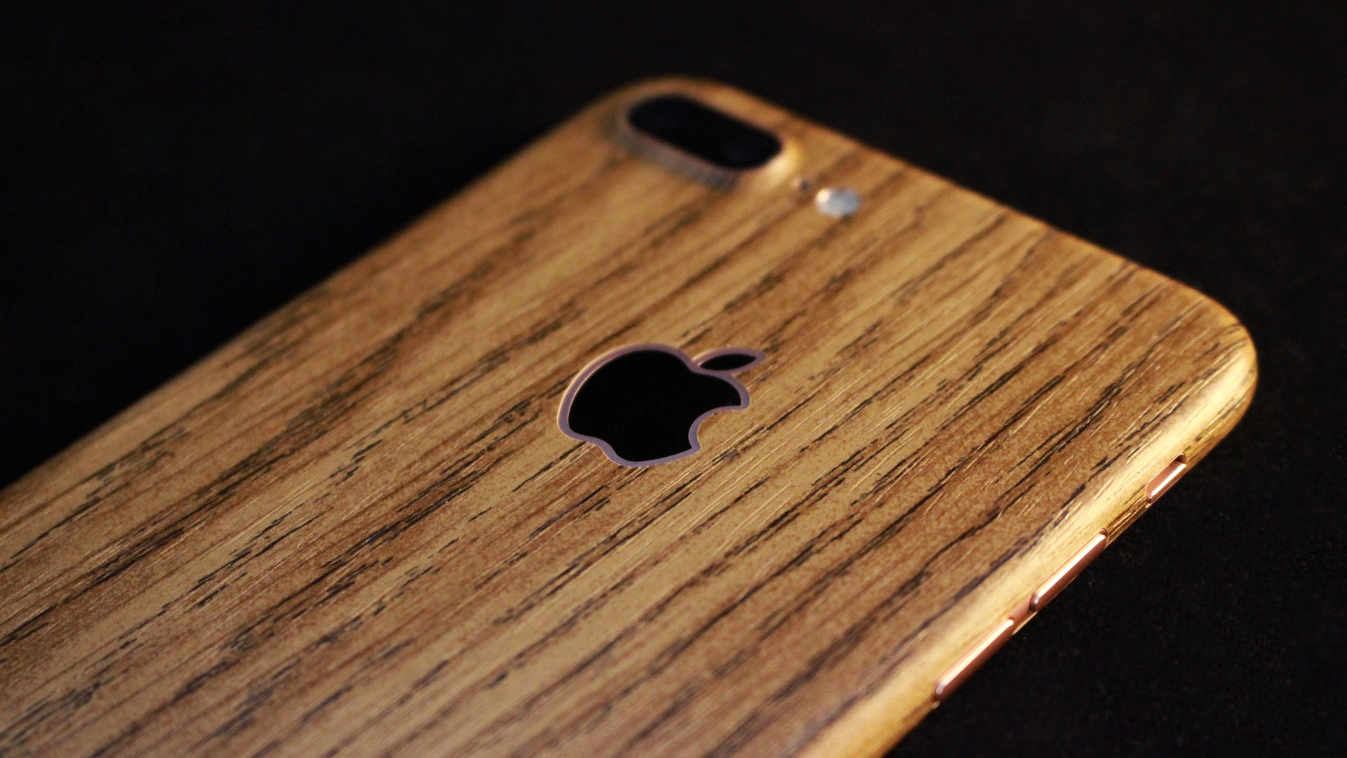 iPhone 7 Plus Light Oak Wood Skin