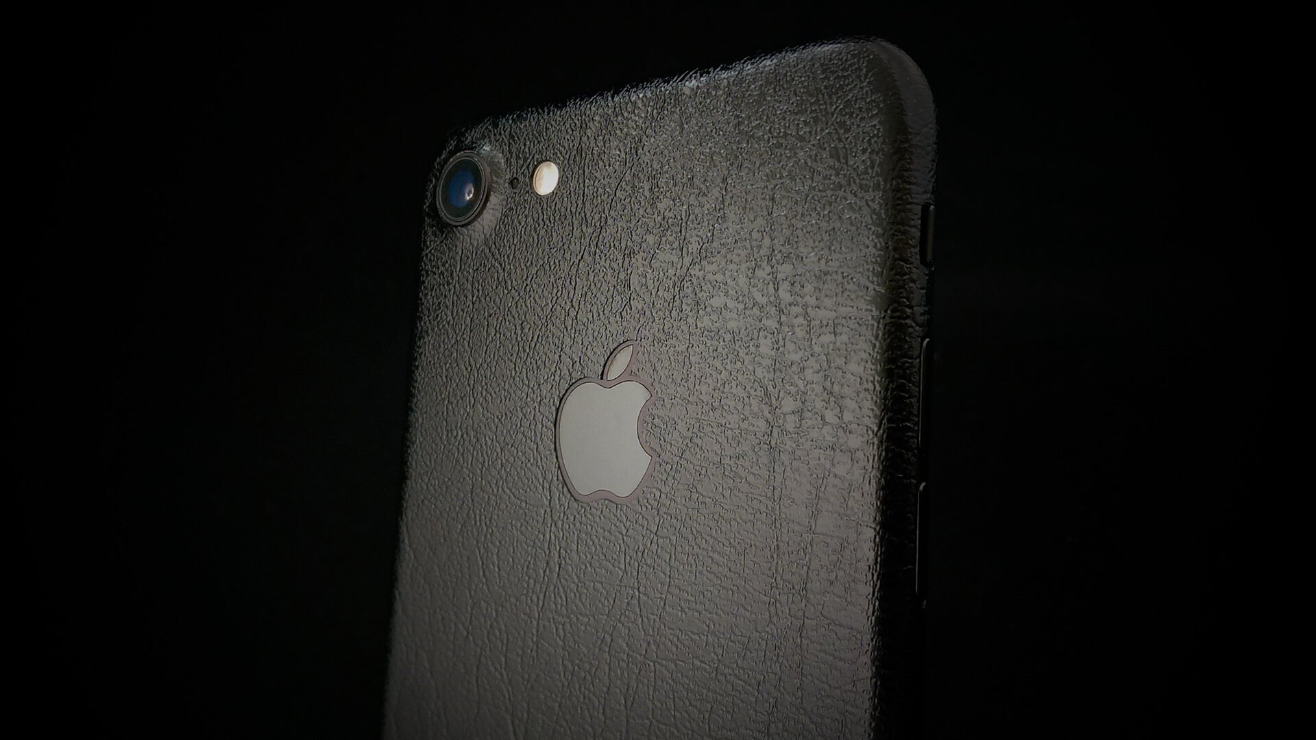 iPhone 7 Black Leather Skin