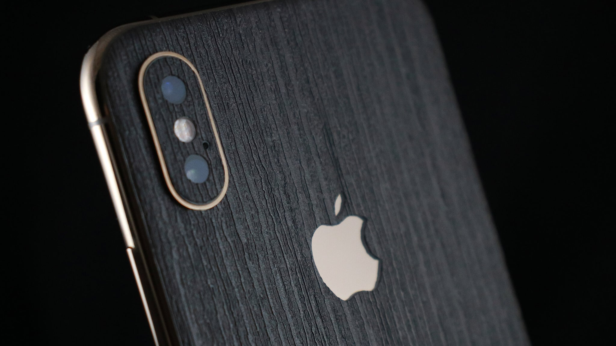 iPhone XS Silverblack Wood Skins