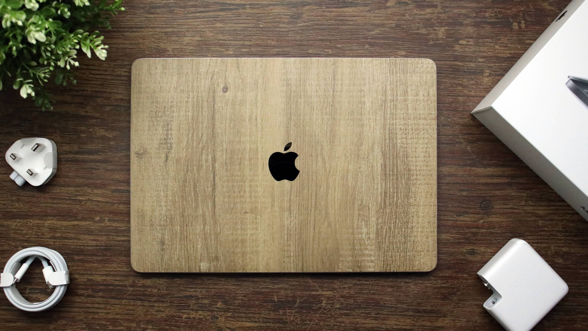 "MacBook Pro 13"" (2020) Modern Oak Skins"