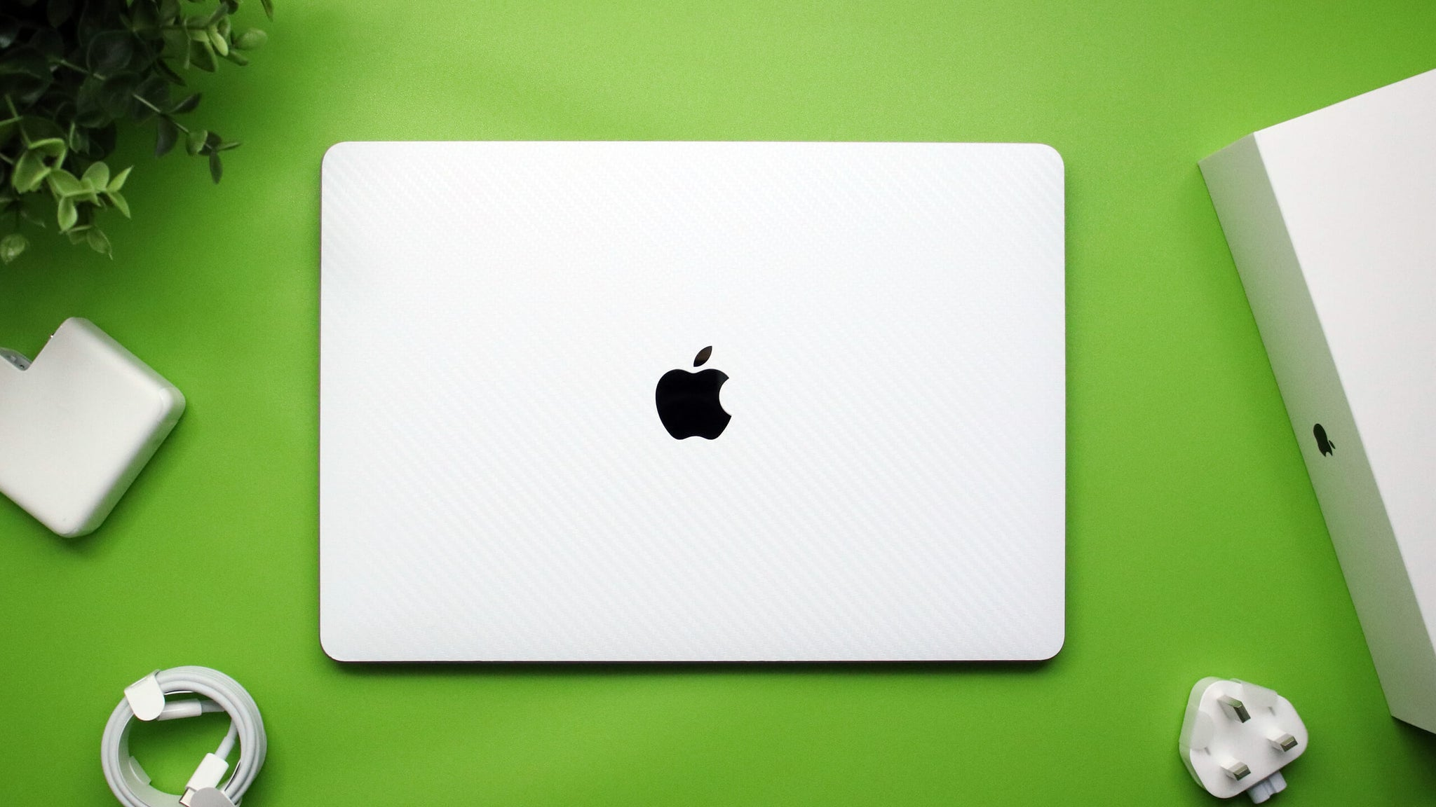 "MacBook Pro 13"" (2020) White Carbon Fibre Skins"