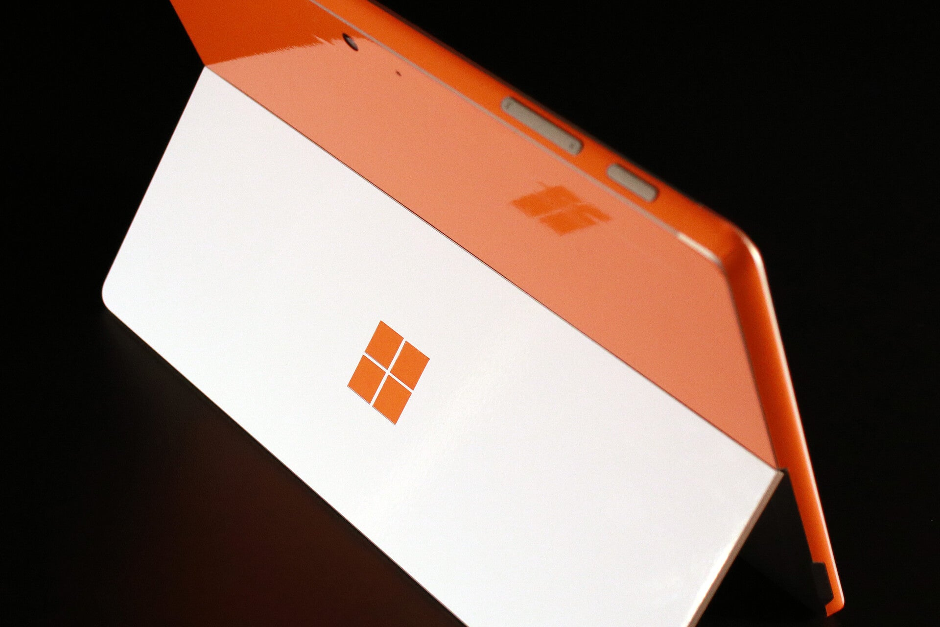 Microsoft Surface Go Sunset orange Gloss Skins