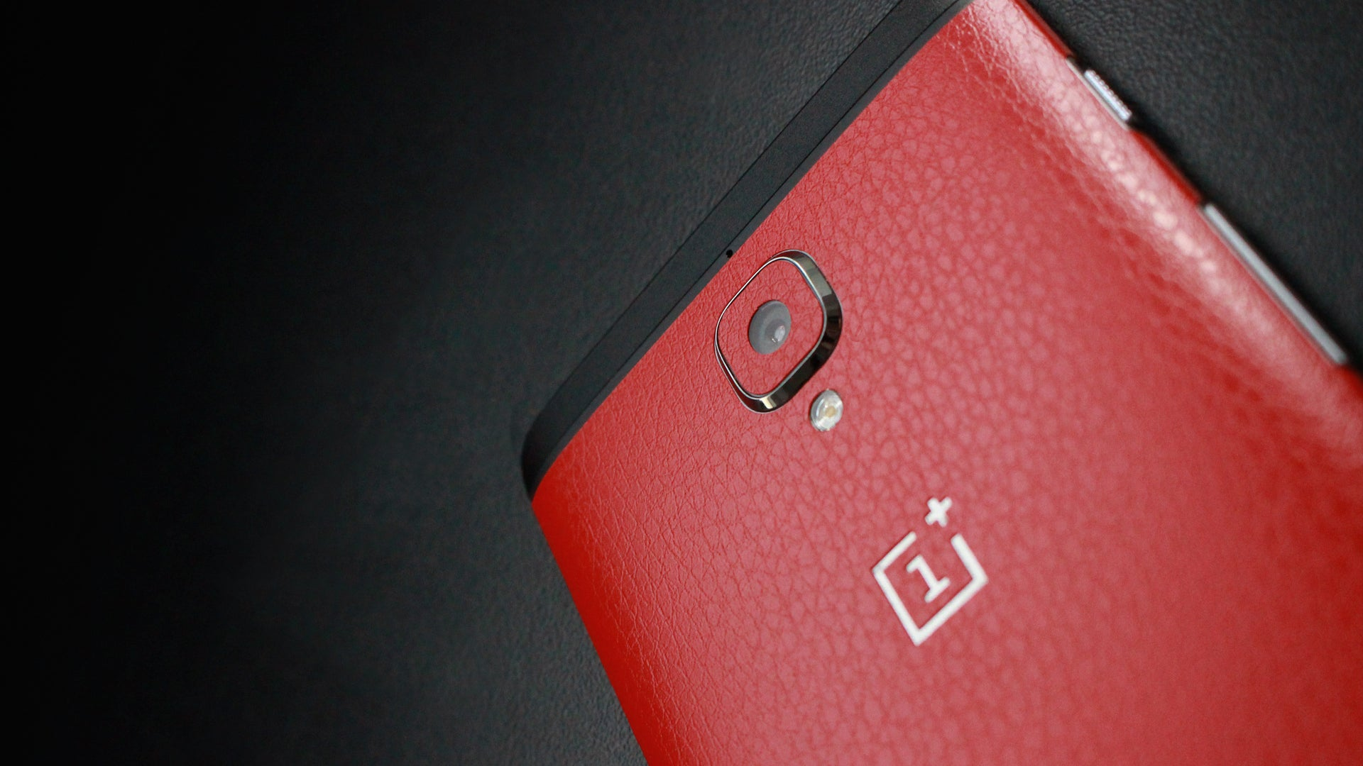 OnePlus 3 Red Leather Skin
