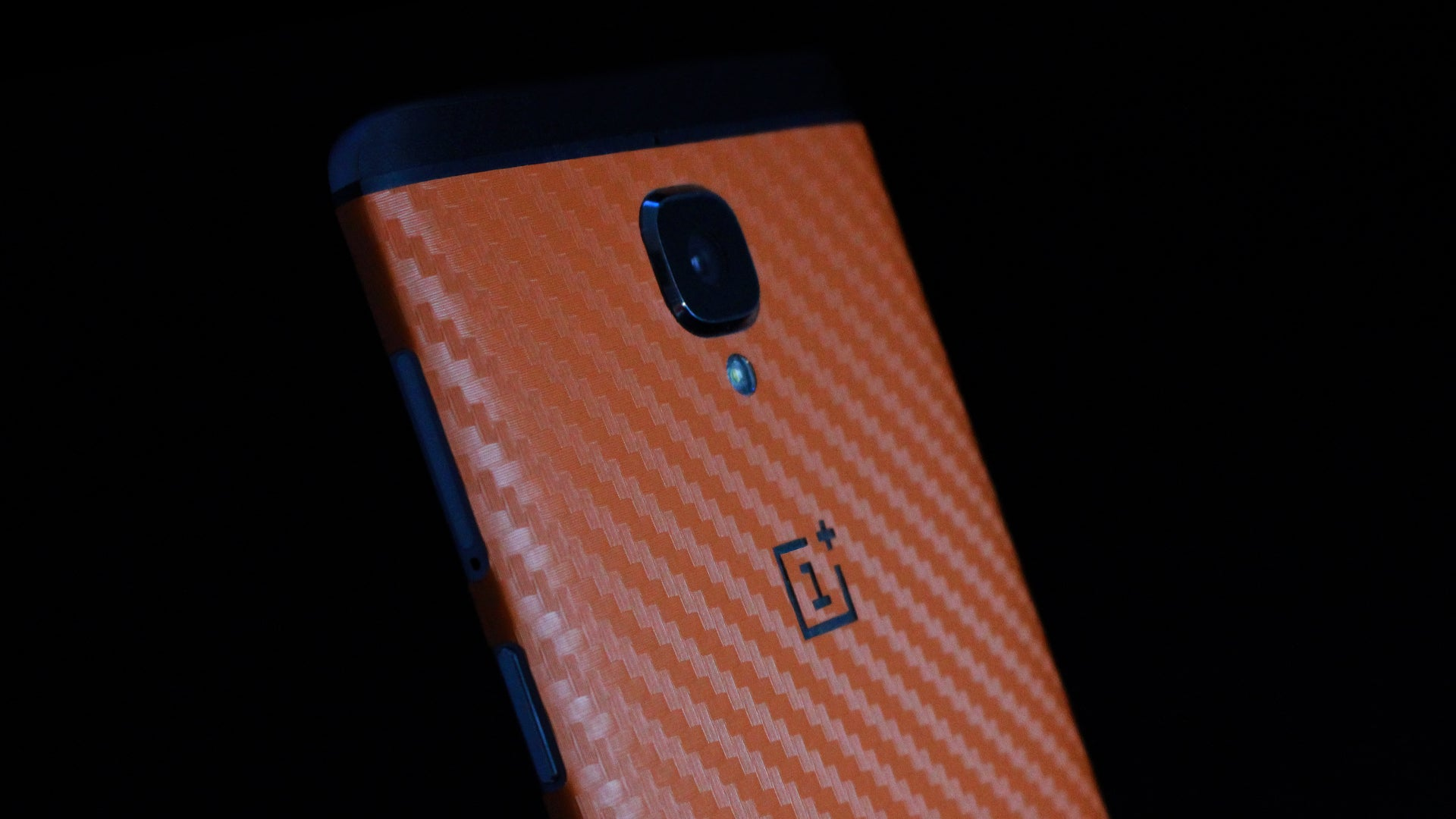 OnePlus 3T Orange Carbon Skins