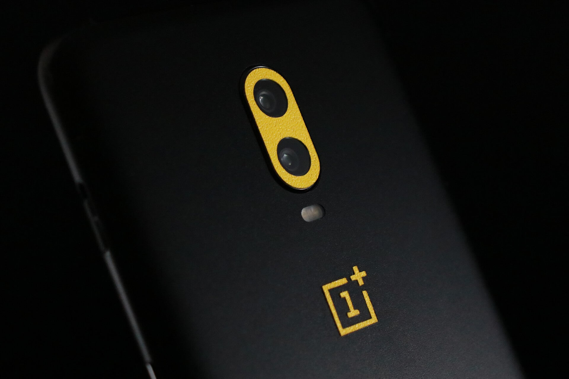 OnePlus 6T Matt Black and True Colour Yellow Skins
