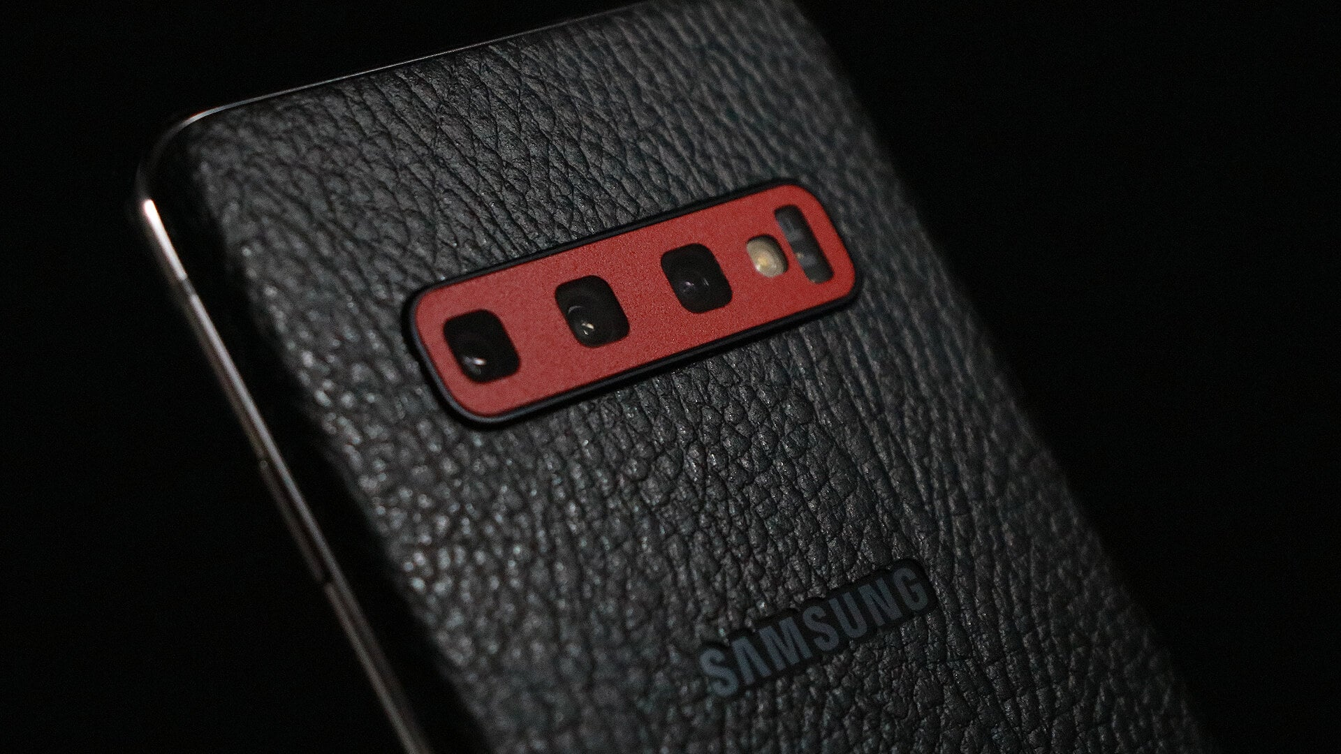 Samsung Galaxy S10 Black Leather Skins