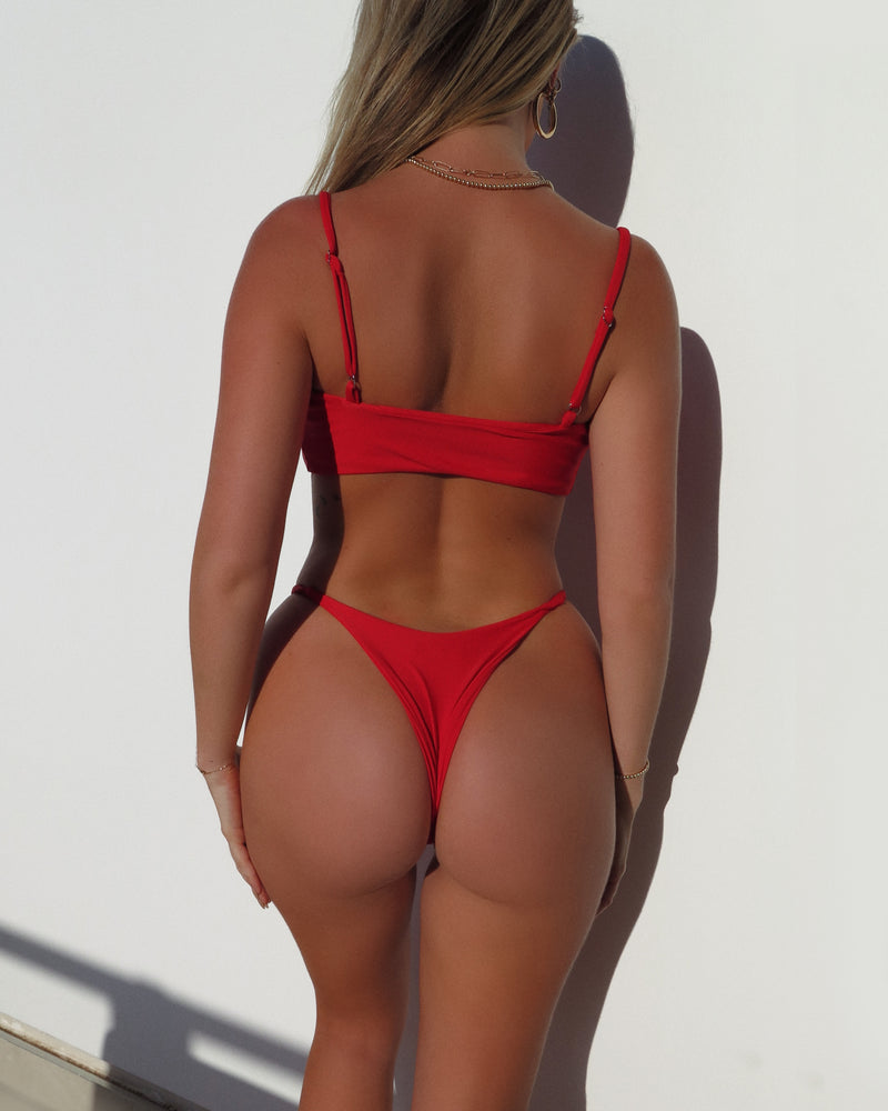 SIDE STRAP BOTTOMS- Red