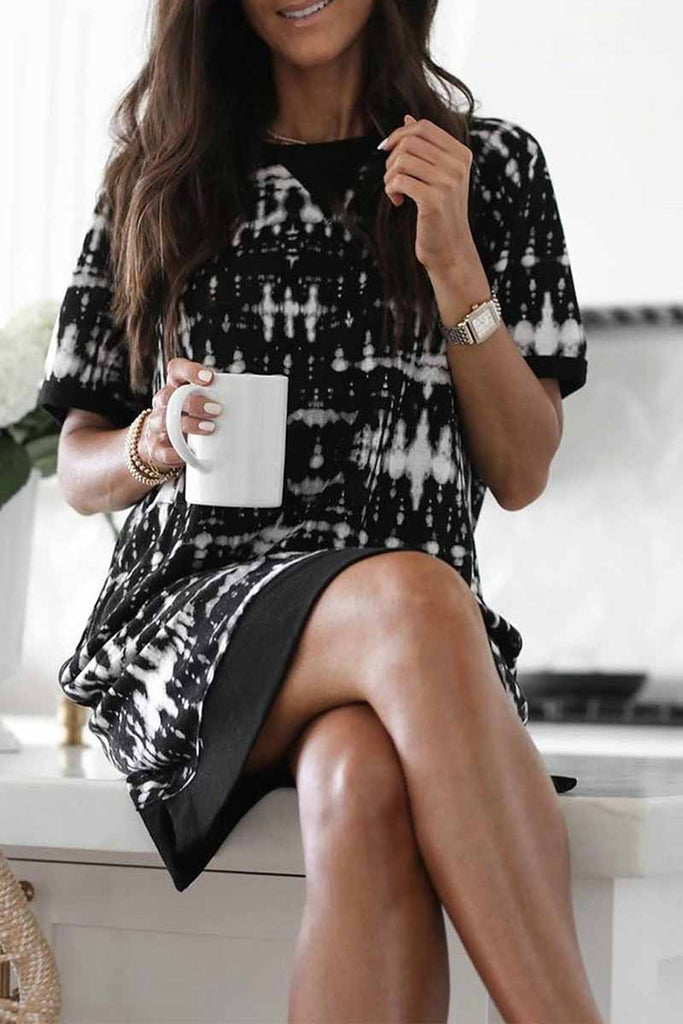 Chicindress Round Neck Short Sleeve Printed Straight Mini Dress