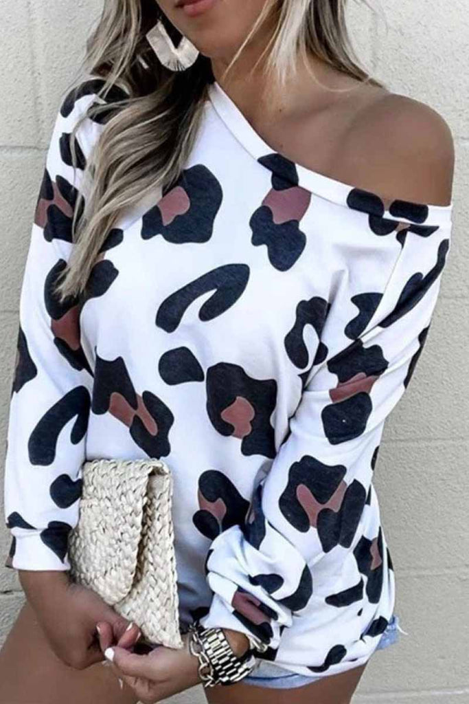 Chicindress Off Shoulder Leopard O-Neck Top