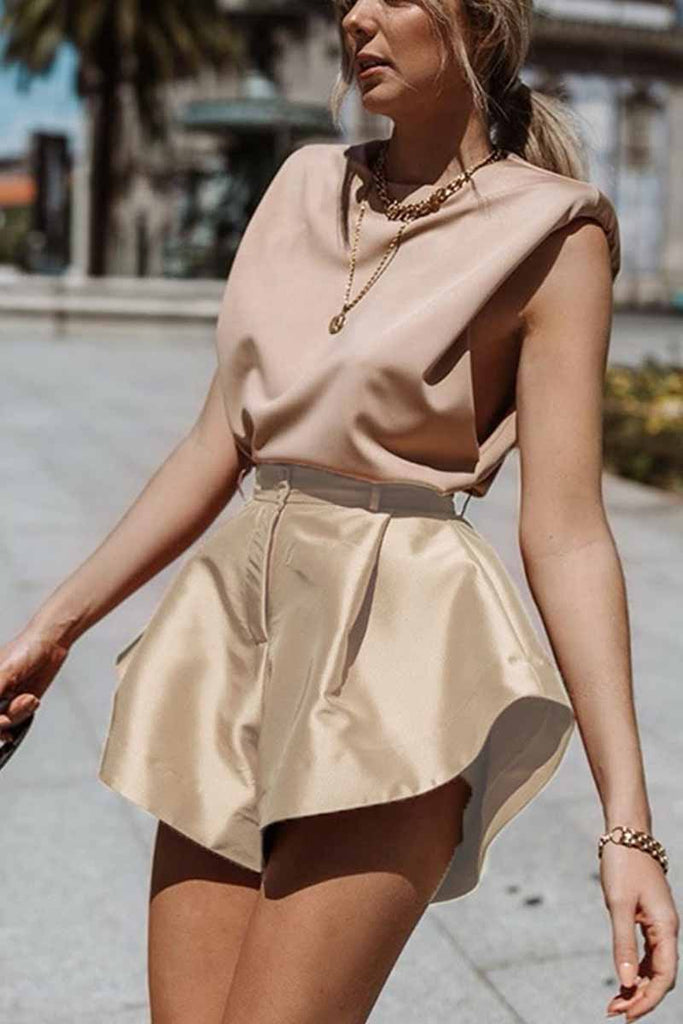 Chicindress Solid Color Button Flared Wide-Leg Hot Pants