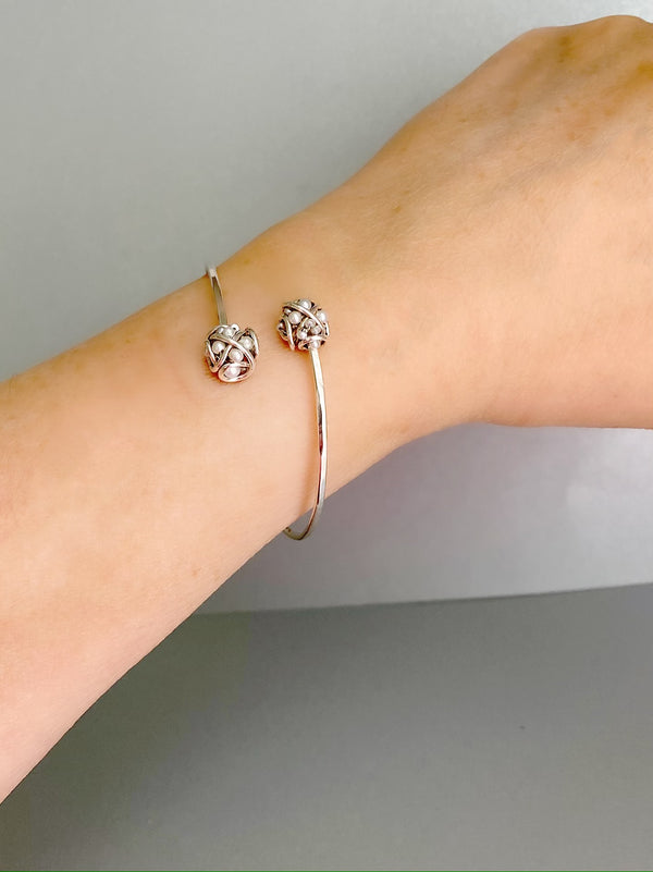The double cluster cuff bracelet