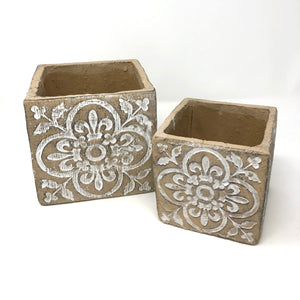 Natural/White Quatrefoil Planter