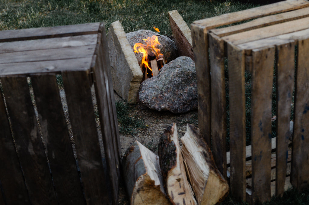 Step-by-step guide to building a fire in your garden (without a fire pit)
