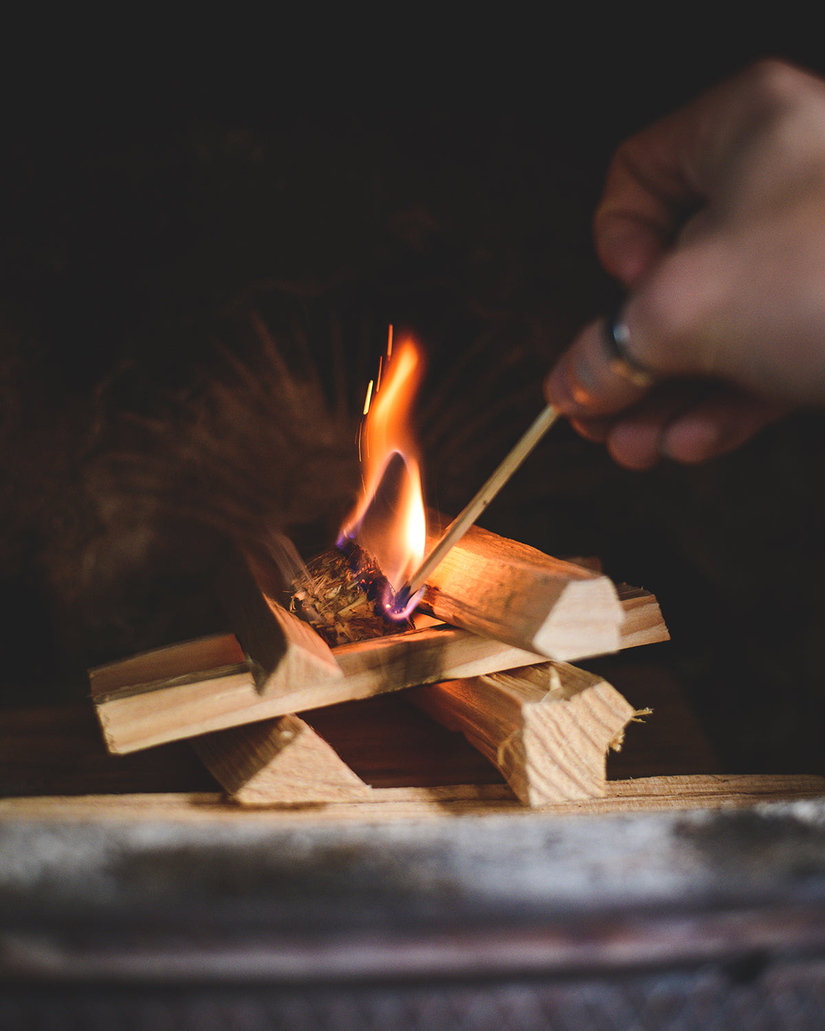 Single match to light the Kindwood Natural Firelighter