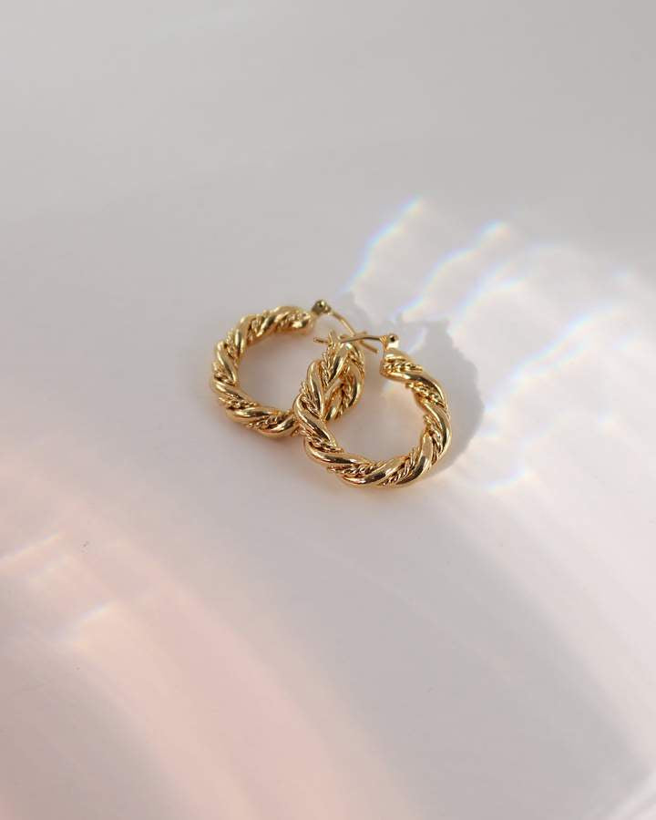 Jessie Hoop Earrings - Gold