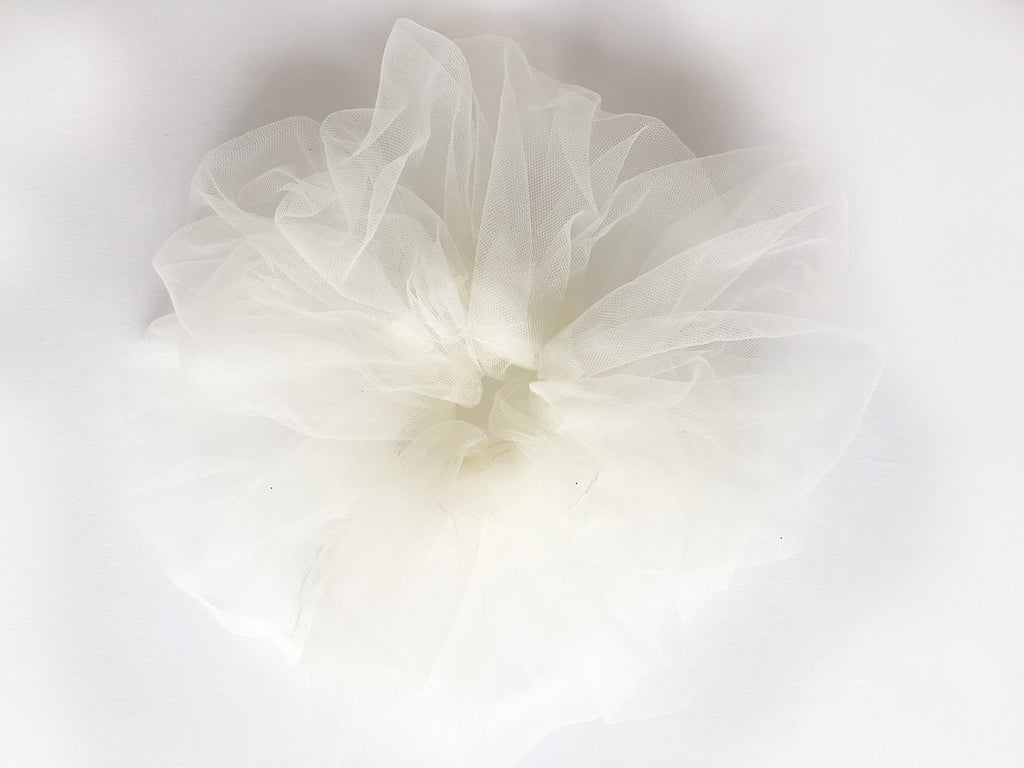 Tulle Cloud Scrunchie - Ivory