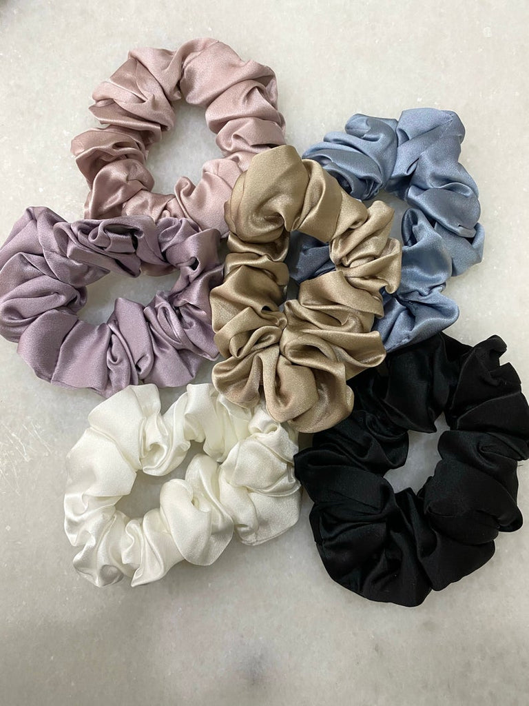 Mulberry Silk Scrunchie - Powder Blue