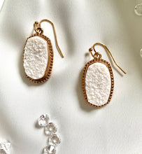 Load image into Gallery viewer, Drop Earrings with Big sparkly Stone