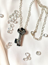 Load image into Gallery viewer, Key to Your Heart Necklace