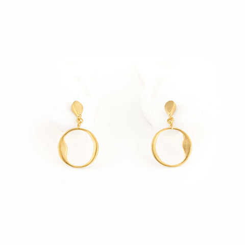 Small Organic Circle Dangle Earrings in Vermeil