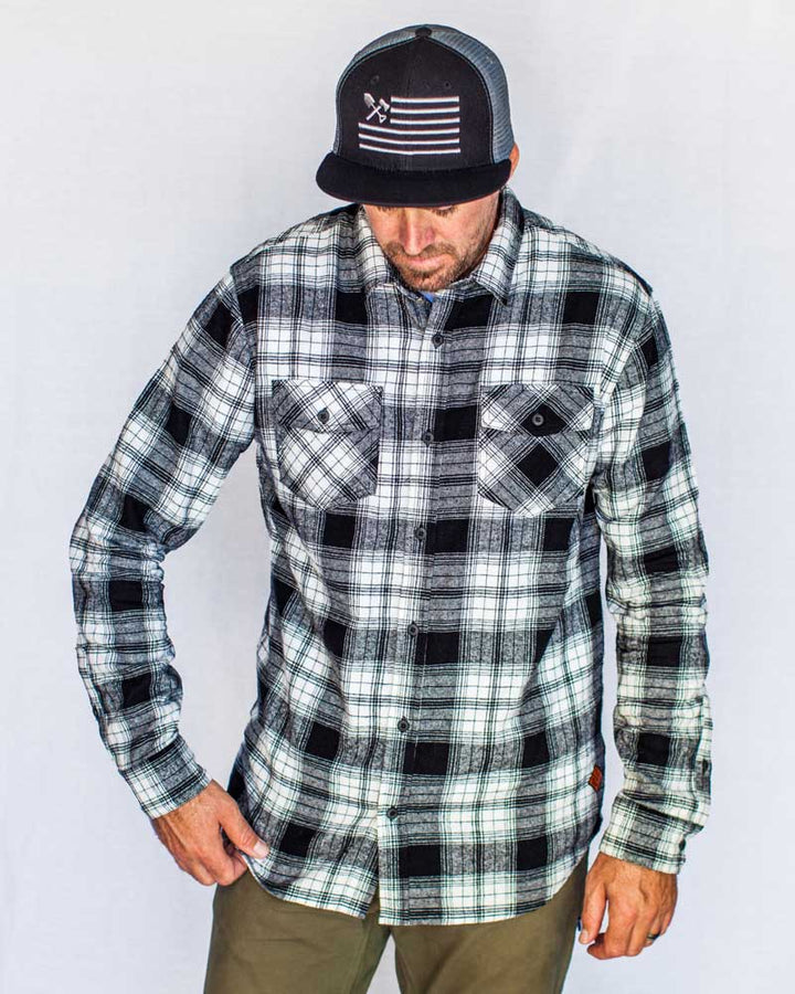 Stampede-Flannel-White-Front-OFF-THE-GRID