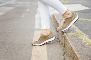 Wildleder Sneakers in taupe