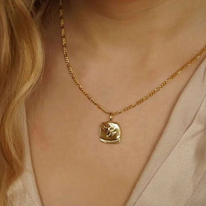 Lithe Girlfriend Necklace