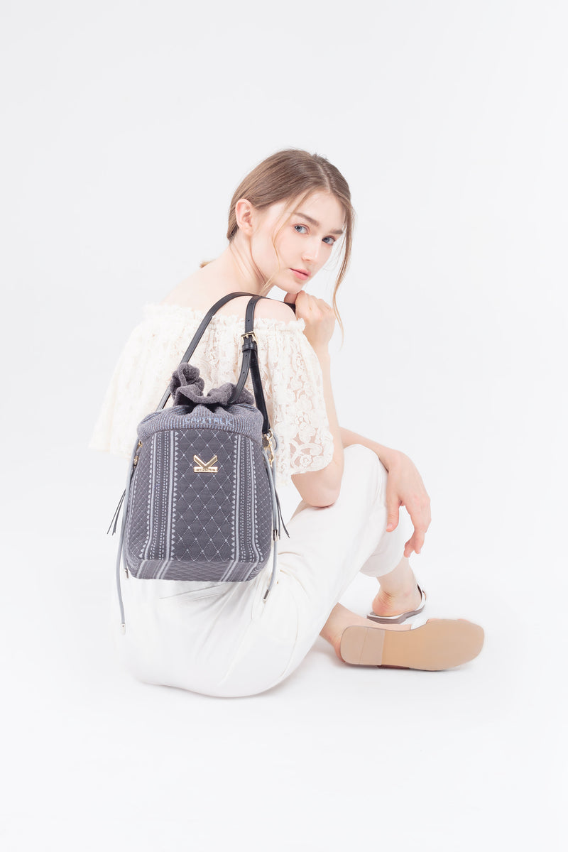 Crackles Embellish Diamond Bucket Bag Grey