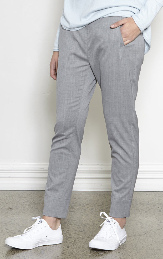 LIGHTWEIGHT WOOL BLEND TROUSER