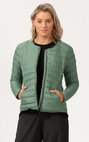 ESSENTIAL LIGHTWEIGHT DOWN JACKET