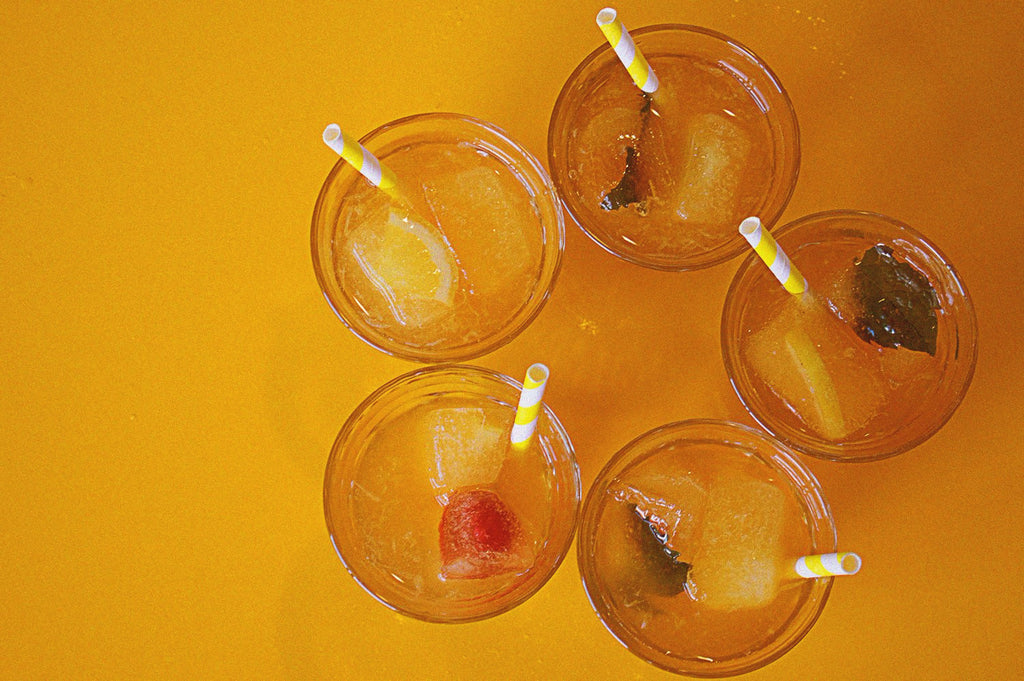 A group of awesome ice tea