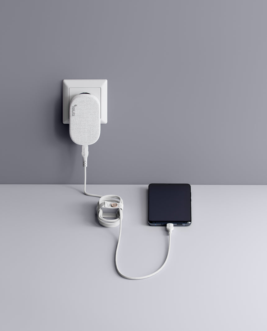 Quantum I 20W Ultra-slim Travel Charger USB-C Snow-white with USB-C to USB-C Cable - Volutz