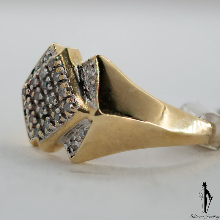 0.26 CT. (SI2-I1) Diamond Gentlemen Ring in 10K Yellow and White Gold