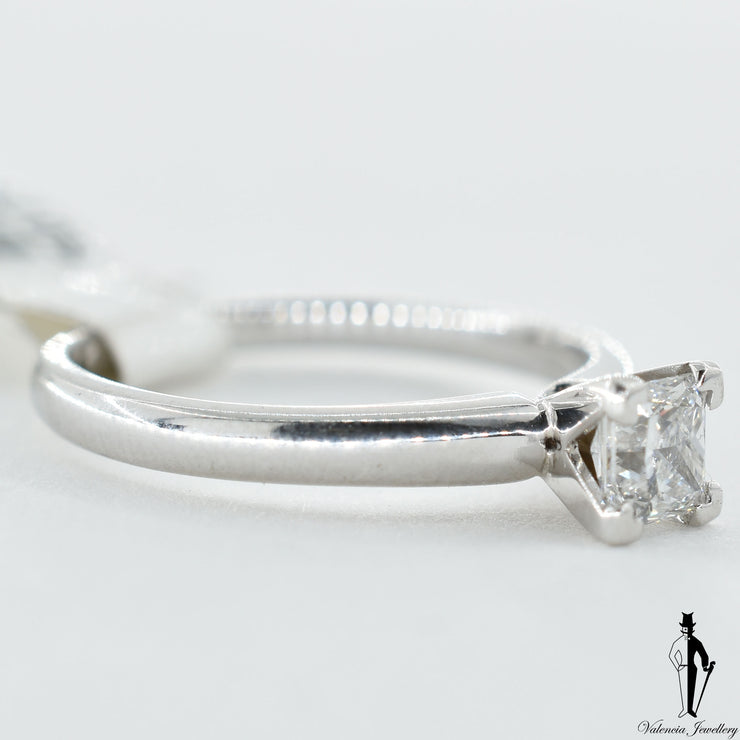 18K White Gold VS1 Diamond (0.50 CT.) Solitaire Engagement Ring