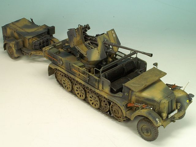 1/35 SD.KFZ 6/2 (BN9) 3.7cm FLAK36 HALF-TRACK 5T (EARLY/LATE) BRONCO MODELS CB35043