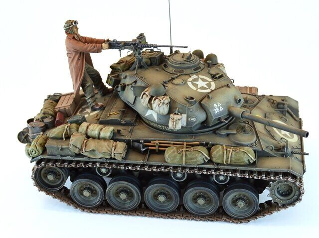 "1/35 U.S. M24 LIGHT TANK ""CHAFFEE"" AFV CLUB AF35054"
