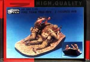 1/35 FIRE TEAM 1969-72 2FIGS W/BASE