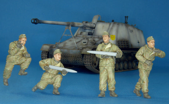 1/35 GERMAN NASHORN CREW EASTERN FRONT-4 FIGURES