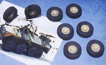 1/35 'LAV-25 SERIES 8x8 TIRE (EARLY TYPE)