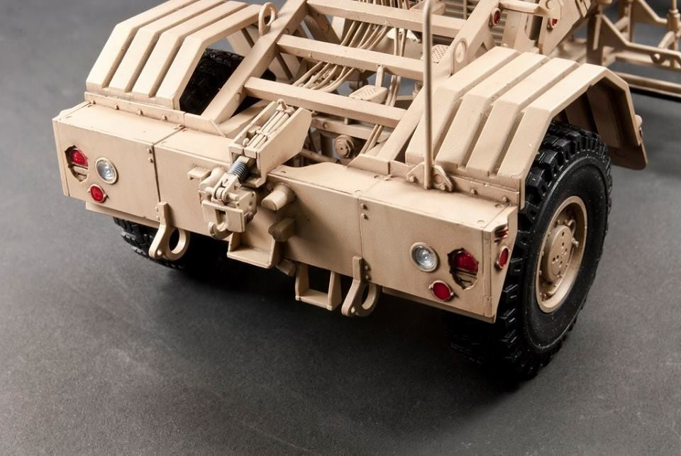 1/35 HUSKY VEHICLE MOUNTED MINE DETECTOR MKIII AFV CLUB AF35347