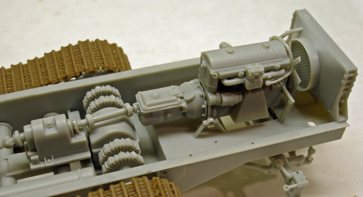 1/35 SWS 60cm INFRARED SEARCHLIGHT CARRIER 'UHU' BRONCO MODELS CB35212