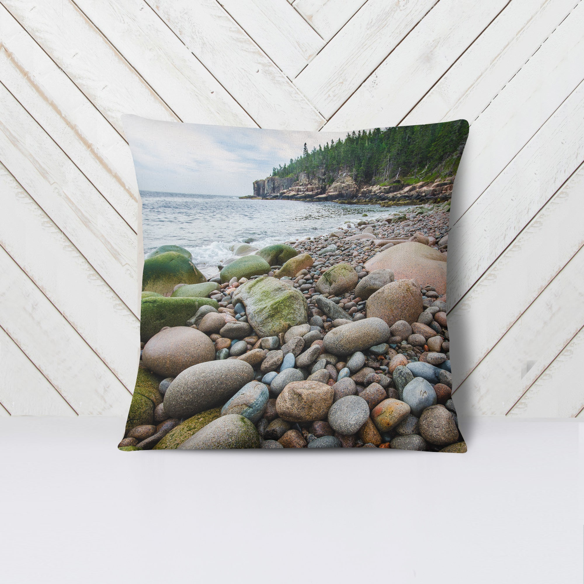 Boulder Beach Acadia National Park Throw Pillow