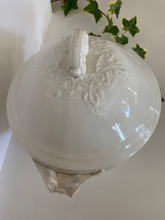 Load image into Gallery viewer, Antique Ironstone Tureen