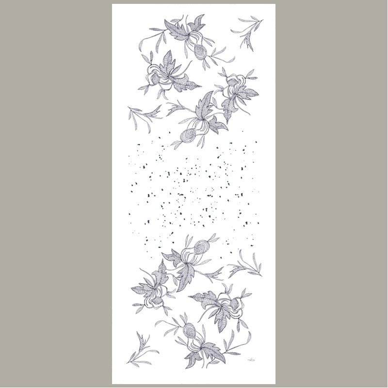 Le Pompon Point d'Esprit Table Runner Collection